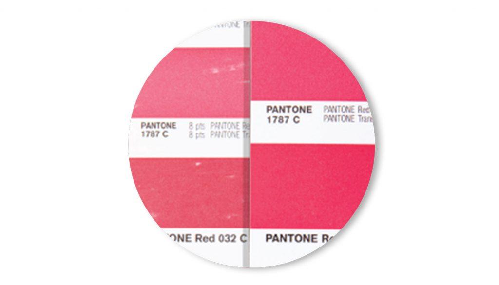 Efeitos do uso e envelhecimento das guias de cores Pantone